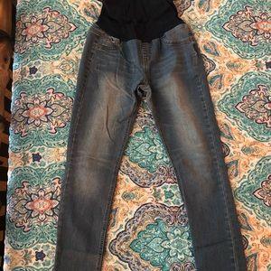 Denim - Beautiful medium wash maternity skinny jeans